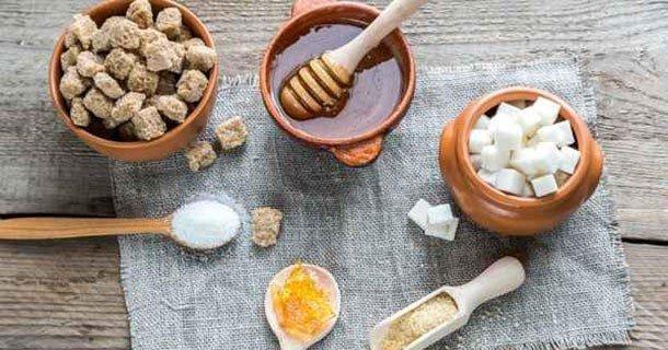 Gommage corporel au sucre dans 100% Nature miel